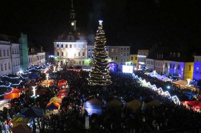 Vánoční strom. Foto: archiv Facebook/Městská knihovna Česká Lípa