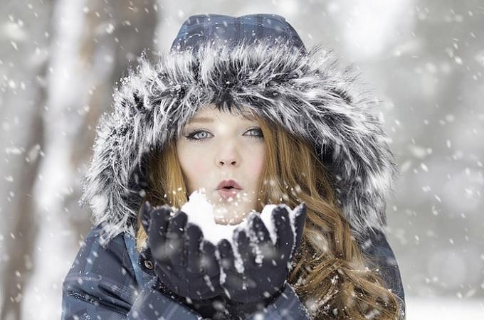 Žena ve sněhu, ilustrační foto. Foto: archiv Pixabay.com