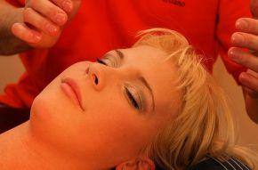 Vyzkoušejte indickou masáž hlavy
