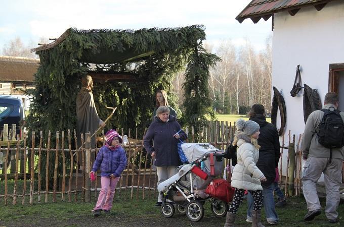 Advent ve Stará vsi v Zooparku Chomutov. Foto: Ladislav Chlíbek
