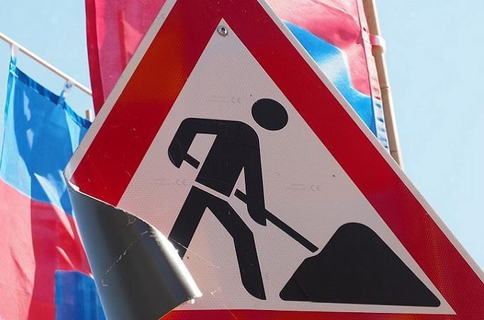 Stavební práce, značka. Foto: archiv Pixabay.com