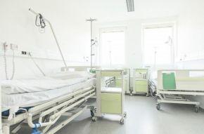 Reakce na cílenou kampaň: Roudnická nemocnice neomezuje zdravotní péči