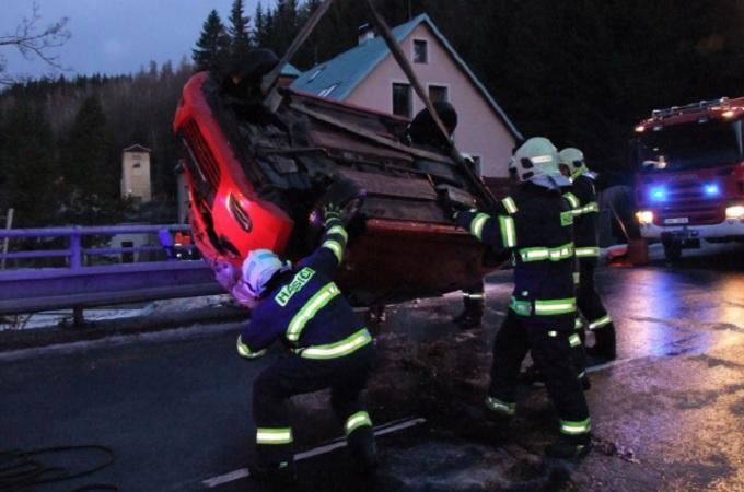 Nehoda, ilustrační snímek. Foto: HZS Ústeckého kraje