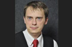 Jan Vondrouš: Co děláme ve volební kampani? Vozíme lidi místo autobusů…