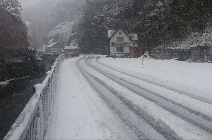 Silnice v zimě, ilustrační foto. Foto: archiv SeveročeskýDeník.cz