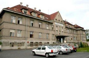 Krajská zdravotní chce přetáhnout lékaře i sestry z rumburské nemocnice. Ta je v úpadku